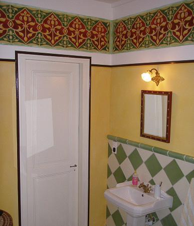 Schablonentechnik auf der Wand, orientalisches Ornament, Entwurf: die Farbküche