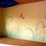 im Kinderzimmer spontan ohne Entwurf entstanden, Natur-Abtönfarben auf Lehmfarbe