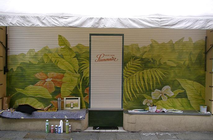 4.80m breit, Abtönfarben + Schutzlack, am historischen Blumenladen Stammnitz, Dresden-Neustadt; Entwurf: die Farbküche